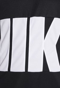 Nike Performance - STARTING FIVE - Funkční triko - black/white - 6