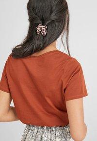 Next - Basic T-shirt - brown - 2