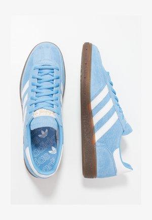 HANDBALL SPEZIAL - Sneakers laag - ltblue/ftwwht/gum5