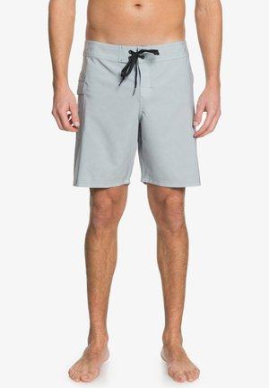 Pantalón corto de deporte - neutral gray