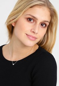 Orelia - THRU HEART - Necklace - silver-coloured - 1