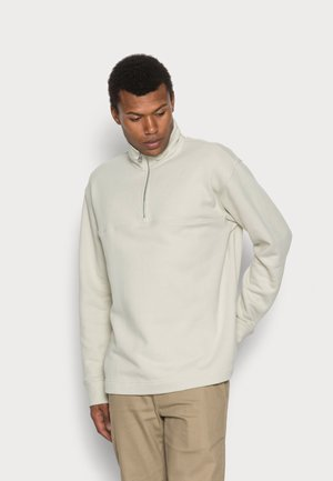 Sweater - pistachio