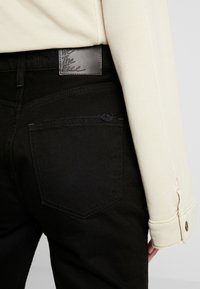 Free People - MY OWN LANE - Jeans straight leg - black - 5