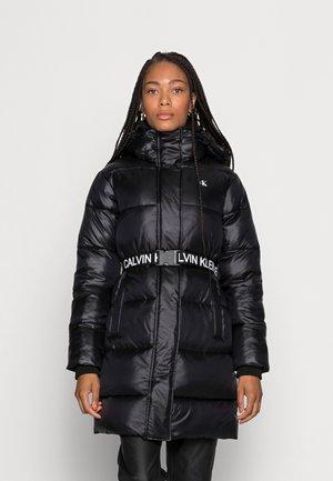 LOGO BELT WAISTED LONG PUFFER - Abrigo de invierno - black