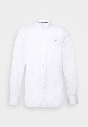 STAND COLLAR LIQUID TOUCH - Shirt - white