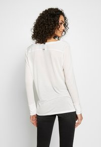 G-Star - GYRE UTILITY V-NECK LONG SLEEVE T-SHIRT - Long sleeved top - milk - 2