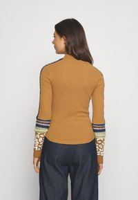 Free People - SWITCH IT UP THERMAL - Jumper - sienna - 2