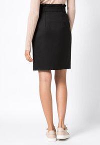 HALLHUBER - PAPERBAG-ROCK - Pencil skirt - black - 2
