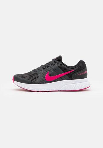 RUN SWIFT 2 - Zapatillas de running neutras - dark smoke grey/fireberry/black