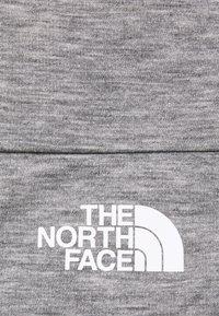 The North Face - VYRTUE CROP - Print T-shirt - black heather - 5