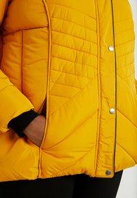 New Look Curves - MAISIE FITTED PUFFER - Vinterjakker - mustard - 6