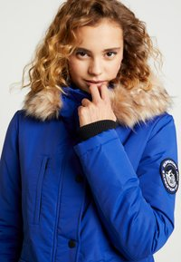 Superdry - ASHLEY EVEREST - Winter coat - cobalt - 4