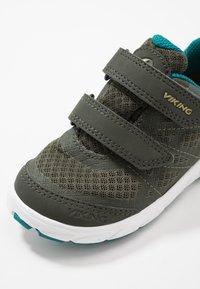 Viking - VEME VEL GTX - Hiking shoes - huntinggreen/olive - 2