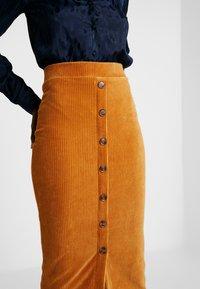 Object Tall - OBJCORDA SKIRT - Spódnica ołówkowa  - brown sugar - 4