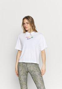 Nike Performance - DRY TEE BOXY RAINBOW - Print T-shirt - white - 0