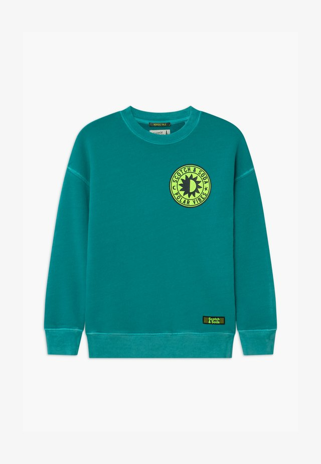 GARMENT DYED CREWNECK CHEST ARTWORK - Sweatshirt - jade