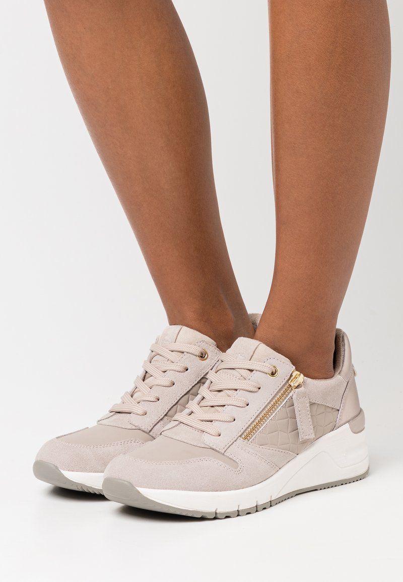 Tamaris - Sneakers laag - taupe