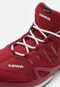 Lowa - GORGON GTX - Outdoorschoenen - rot/weiß - 5