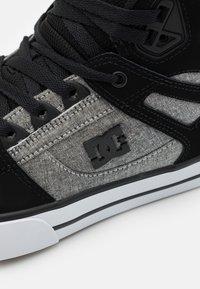 DC Shoes - PURE - Chaussures de skate - black/battleship/armor - 5