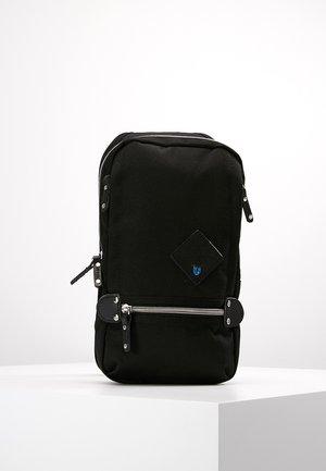 TAKAO - Across body bag - black