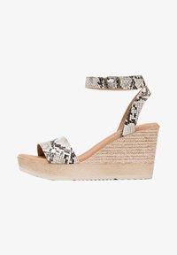 Eva Lopez - High heeled sandals - Marrón - 1