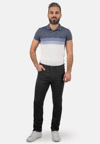 Brühl - MIT SPEZIAL-SCHMIRGEL - Slim fit jeans - anthrazit - 0