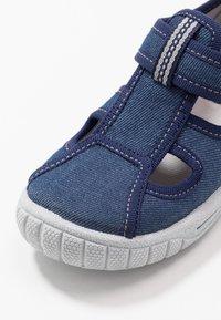 Superfit - BILL - Domácí obuv - blau - 5
