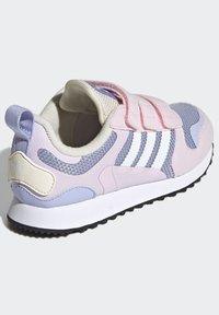adidas Originals - ZX 700 HD CF C - Trainers - pink - 2
