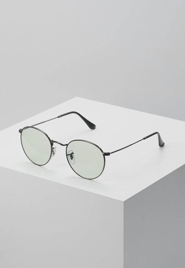 Sunglasses - gunmetal/light green