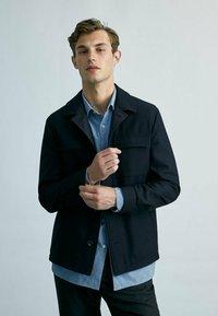 Massimo Dutti - MIT TASCHEN - Summer jacket - dark blue - 0