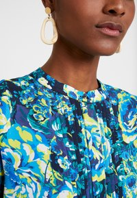 Rich & Royal - DRESS WITH PIN TUCKS - Day dress - multi-coloured/dark blue/neon green - 4