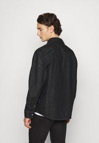 Calvin Klein Jeans - SHIRT - Shirt - denim black - 2