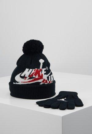 JUMPMAN CLASSICS POM BEANIE SET - Gloves - black