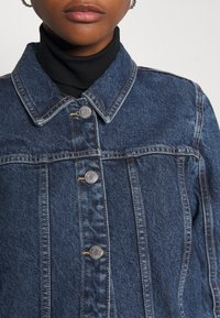 ONLY - ONLSMITH PADDED - Short coat - light blue denim - 4