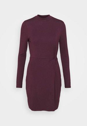 VMNORA SHORT DRESS - Korte jurk - winetasting