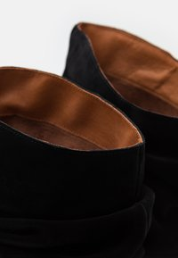 LAB - Boots - black - 5