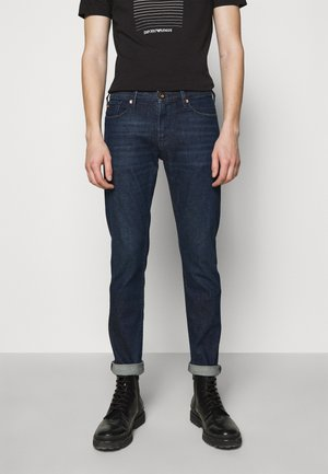 POCKETS PANT - Džíny Slim Fit - dark-blue denim