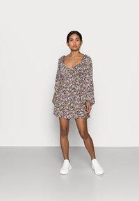 Missguided Petite - MILKMAID SKATER DRESS  - Denní šaty - purple - 1