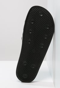 adidas Originals - ADILETTE - Badslippers - black/white - 4