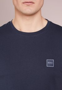 BOSS - TALES - Basic T-shirt - dark blue - 4