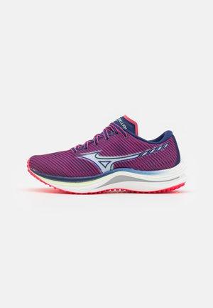 WAVE REBELLION - Závodní běžecké boty - diva pink/indigo/white/paradise green