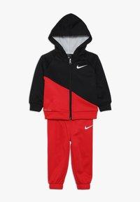 Nike Sportswear - THERMA BABY SET - Trainingspak - university red - 0