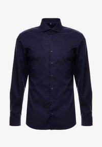 SLIM FIT - Kostymskjorta - marine