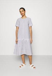 JUST FEMALE - RIALTO PLACKET DRESS - Day dress - pavement - 0
