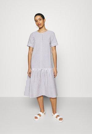 RIALTO PLACKET DRESS - Day dress - pavement