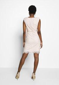 comma - KURZ - Cocktail dress / Party dress - powder - 2
