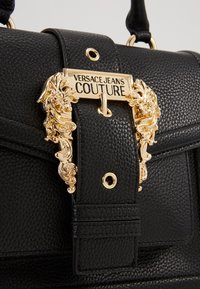 Versace Jeans Couture - TOP HANDLECOUTURE  - Handbag - nero - 3