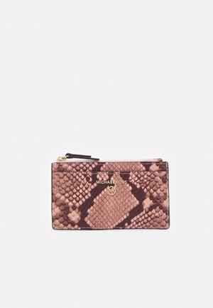 JET SET CHARM SLIM CARD CASE - Wallet - shell pink
