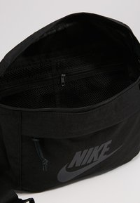 Nike Sportswear - TECH HIP PACK - Bum bag - black - 4