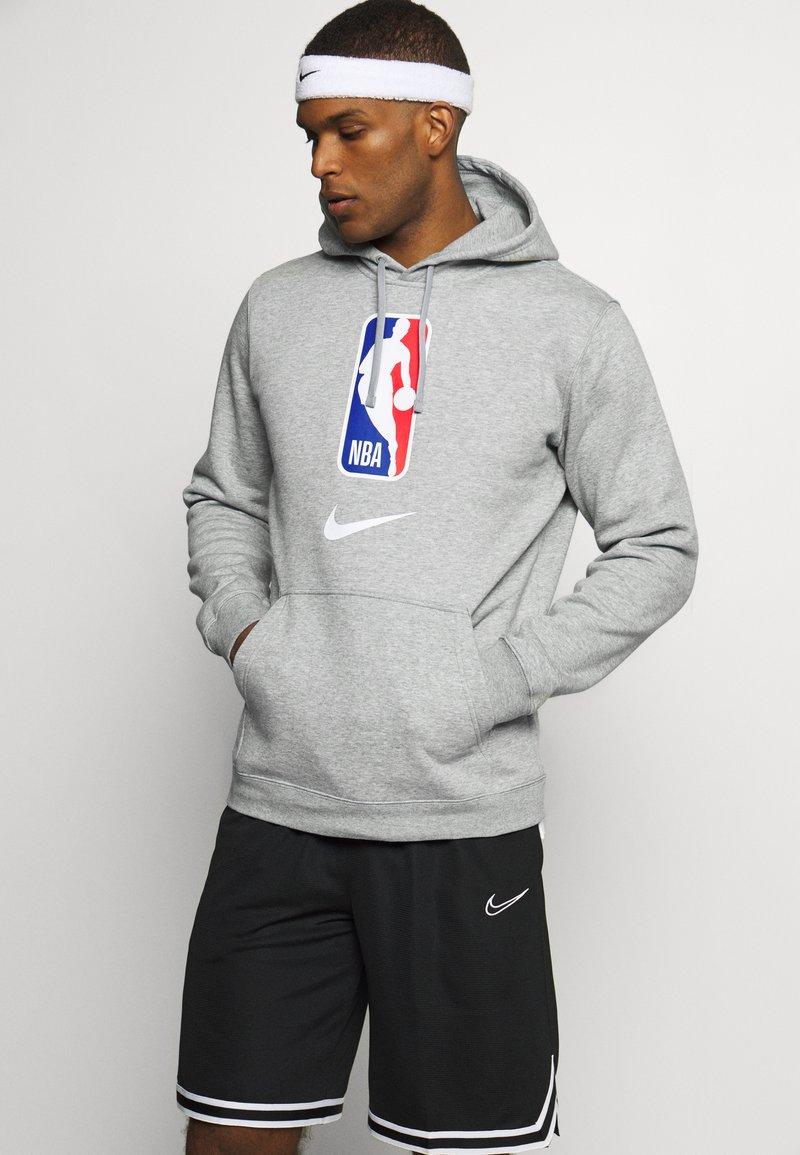 Nike Performance - NBA TEAM HOODY - Hoodie - dark grey heather